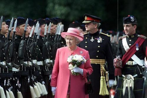 HM The Queen inspects the Honour Guard